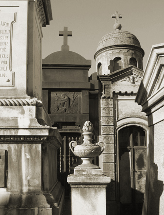 Late afternoon, Recoleta Cemetery