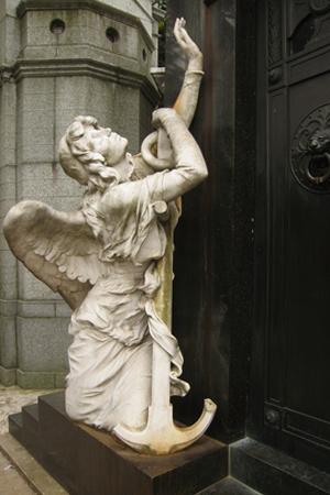 Anchor, Recoleta Cemetery
