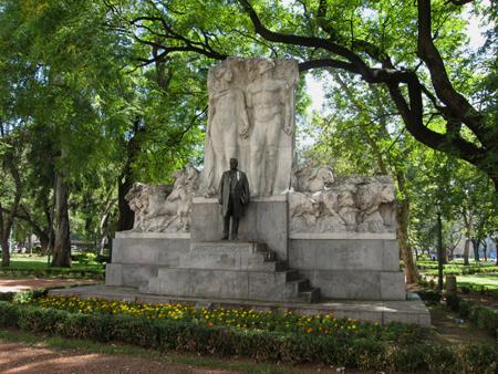 Bernardo de Irigoyen, Plaza Rodríguez Peña