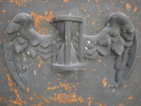 Winged hourglass, Recoleta Cemetery