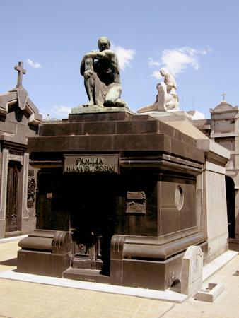 Familia Manuel Cerini, Recoleta Cemetery