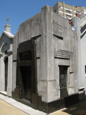 Paulero Urtasun, Recoleta Cemetery
