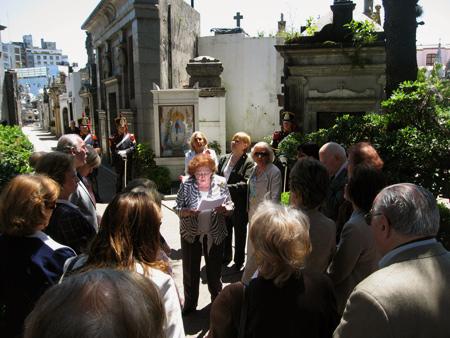Honoring Remedios de Escalada, Recoleta Cemetery