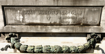 Juan Alberto Lartigau, Recoleta Cemetery