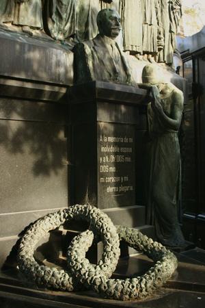 Wreath, Recoleta Cemetery