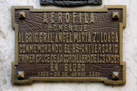 Ángel María Zuloaga, Recoleta Cemetery