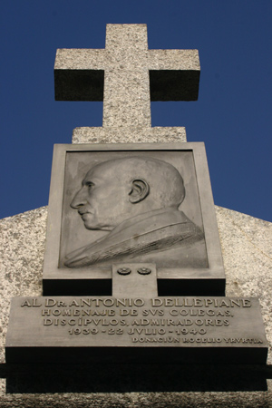 Antonio Dellepiane, Recoleta Cemetery