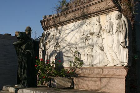 Familia Roverano, Cementerio de la Chacarita