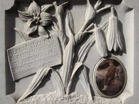 Familia de Eloisa F. de Diehl, Recoleta Cemetery