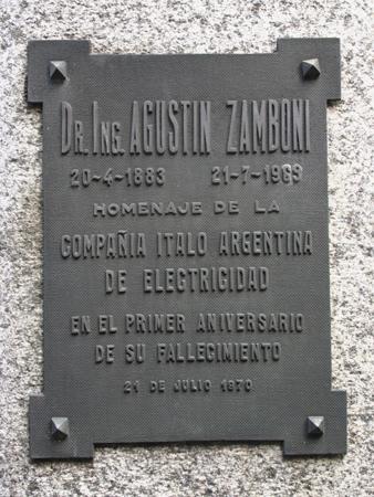 Agustín Zamboni, Recoleta Cemetery