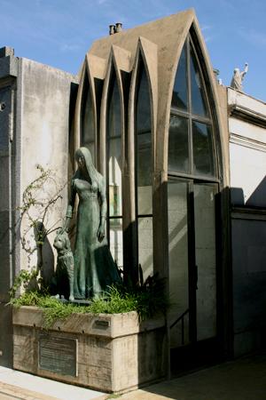 Liliana Crociati de Szaszak, Recoleta Cemetery