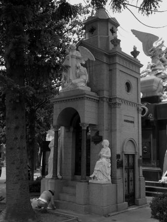 López Lecube, Recoleta Cemetery
