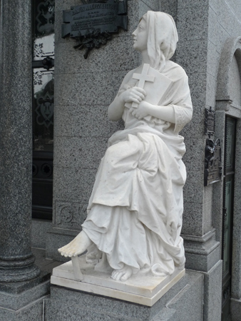 López Lecube, Lola Mora, Recoleta Cemetery