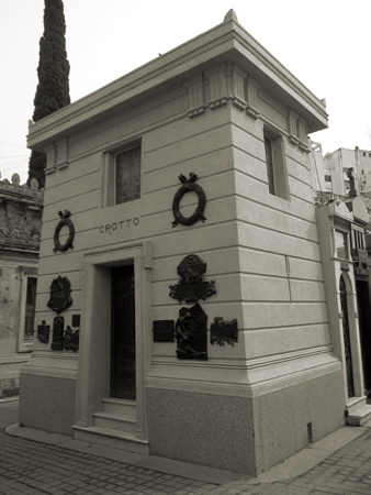 Recoleta Cemetery, Buenos Aires, Crotto