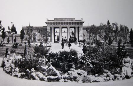 Recoleta Cemetery, Buenos Aires, entrance gate, Samuel Boote, 1885