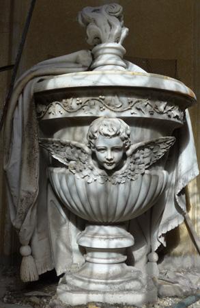 Recoleta Cemetery, Buenos Aires, urn