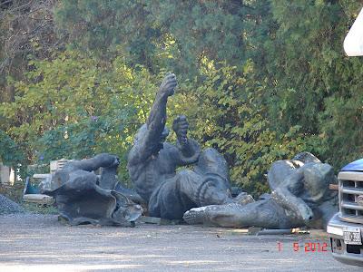 Buenos Aires, Vergottini, Plaza Colombia sculptures